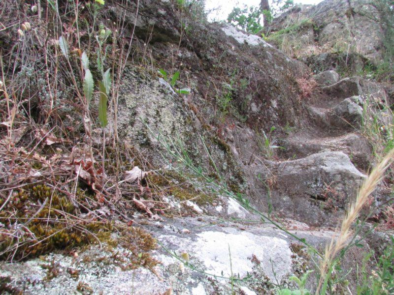 Os Muiños, Barbadás - escalera de piedra