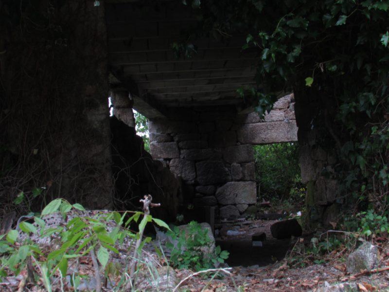 Os Muiños, Barbadás - Casa en ruinas