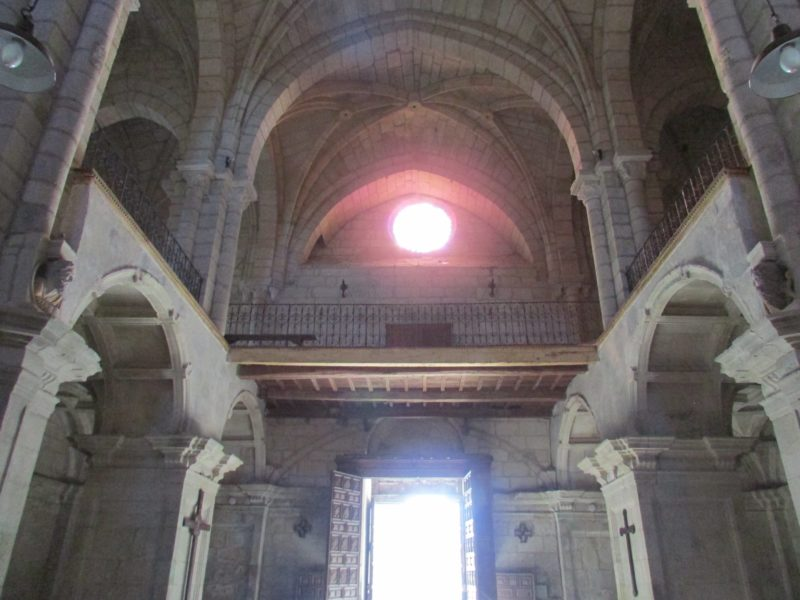 Monasterio de Santo Estevo - interior de iglesia