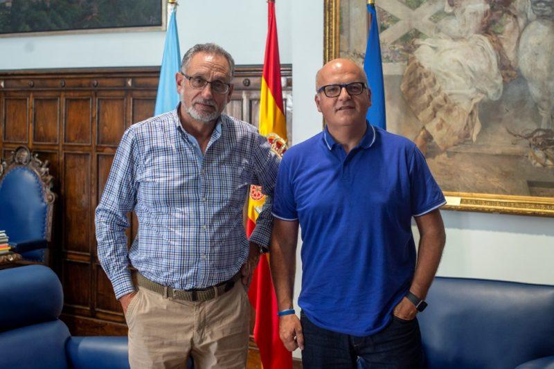 Manuel Baltar con el alcalde de San Cibrao das Viñas