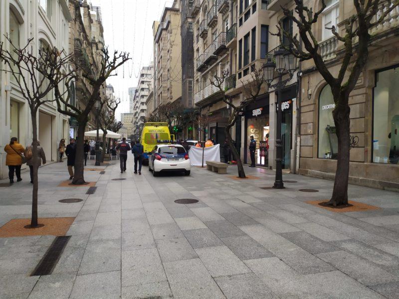 Fallece una mujer en la calle del Paseo