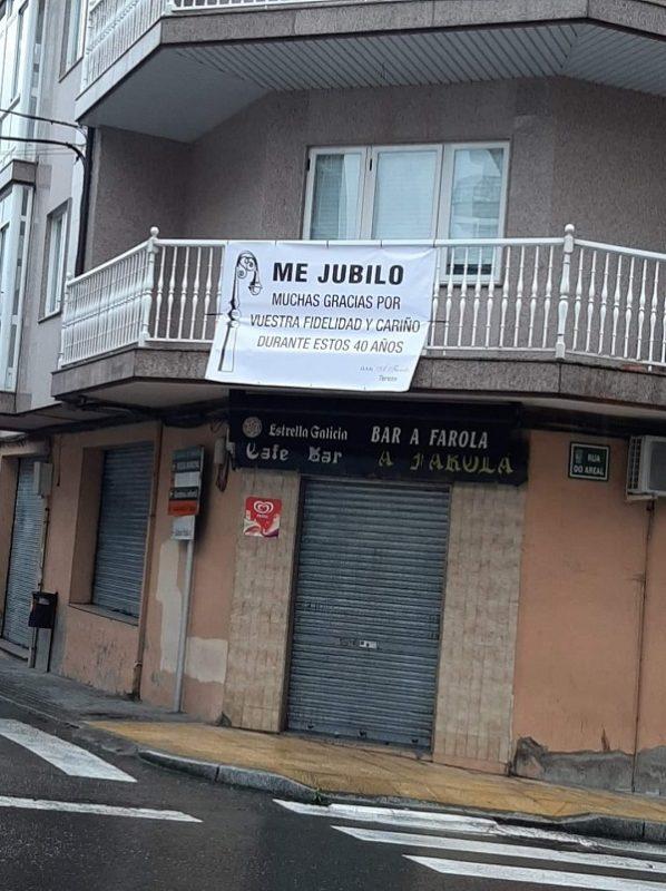 Cierra el bar tras 40 años en A Valenzá