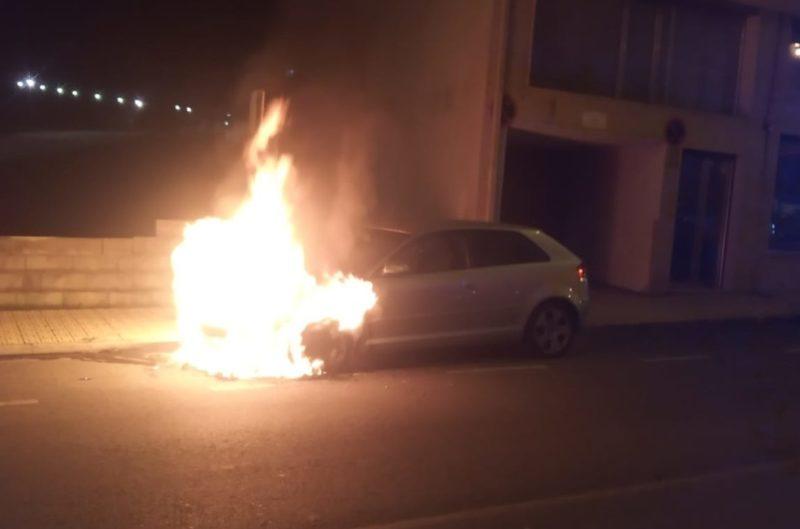 Arde un vehículo en Celanova