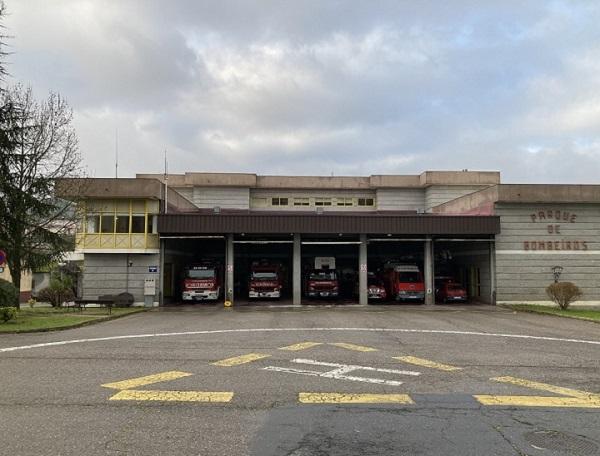 ¿Cuanto trabajan los bomberos de Ourense?