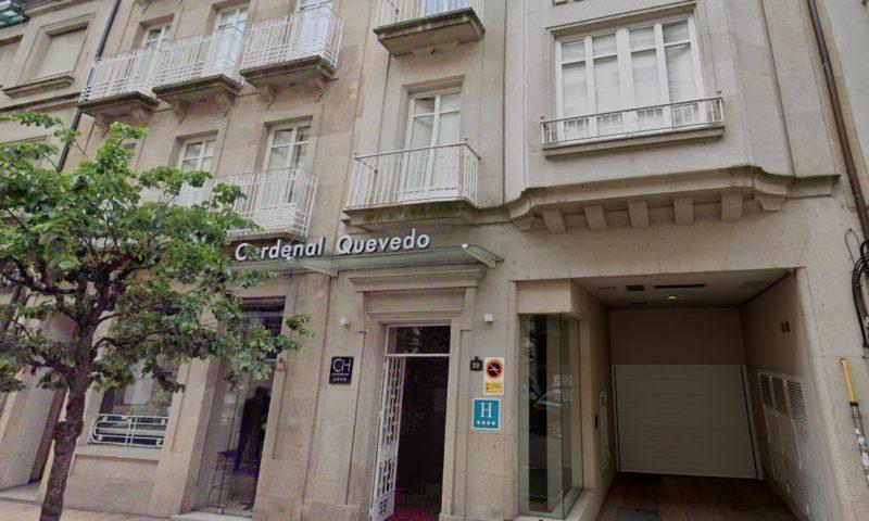 Fallece tras caer del tercer piso de un hotel en Ourense