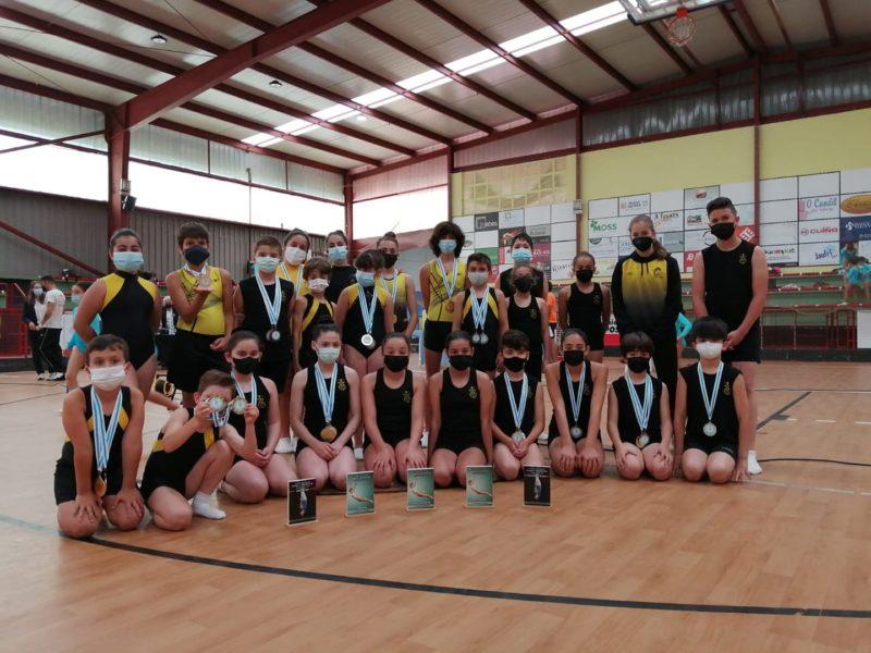 El Burgas destaca en el Escolar de Trampolín