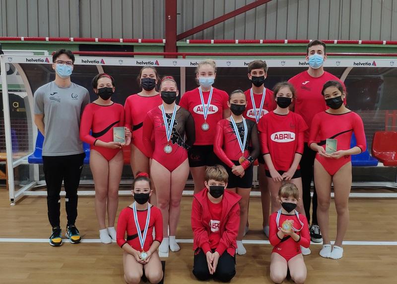 Siete medallas de oro para el Ximnasia Pavillón