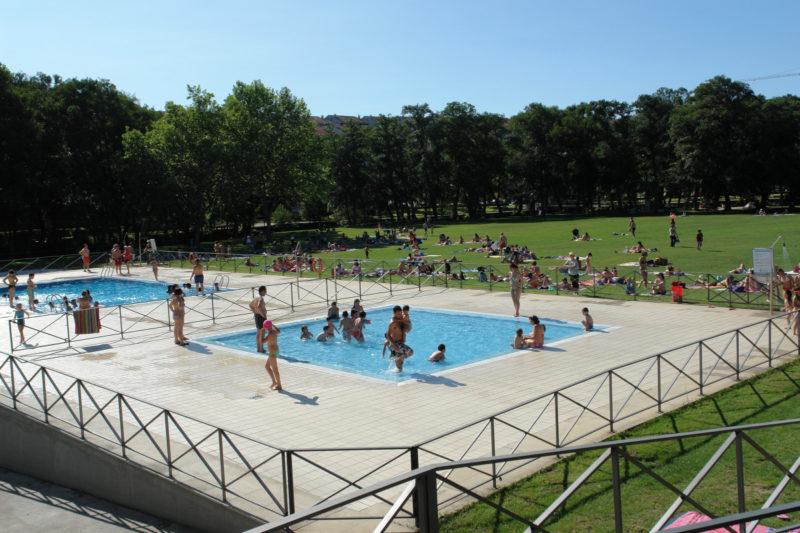 Información de las piscinas de Allariz